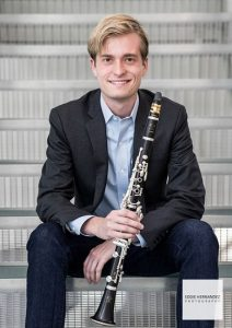Andrew Sandwick, Dallas Symphony | Professional Interior Musician Headshot, Bass Clarinet