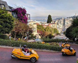 GoGar Tourists - Lombard Street, San Francisco, CA